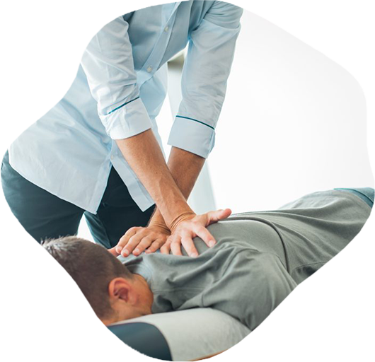 Image of a chiro in Caloundra performing chiropractic adjustment